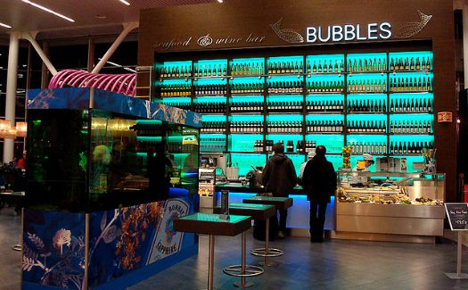 10 Airport Eateries Where You Can Get a Taste of Local Flavor 1