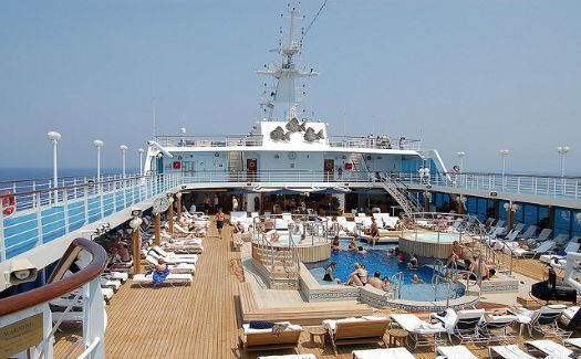How to avoid overspending on a cruise