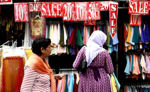Phalinn Ooi, Jalan TAR, via Flickr CC BY 2.0